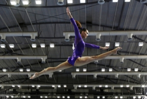 farah_ann_abdul_hadi_balance_beam_artistic_gymnastics_sea_games_singapore_20150607_620_417_100